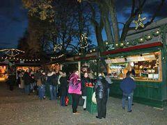 Weihnachtsmarkt am Mirabellplatz.