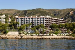 Das Gran Meliá de Mar liegt nur fünf Minuten vom luxuriösen Yachthafen in Puerto Portals entfernt.