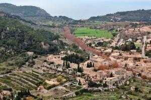 Der Weg zwischen Valldemossa und Deià führt durch das Gebirge. Foto fincallorca.