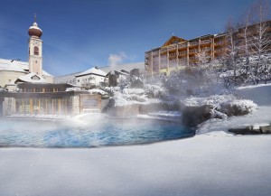 07_ADLER BALANCE Spa & Health Resort_Aussenansicht Winter