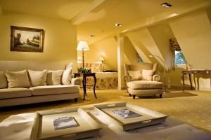 1420 Bleiche geraeumiges Doppelzimmer mit Gaube Kopie