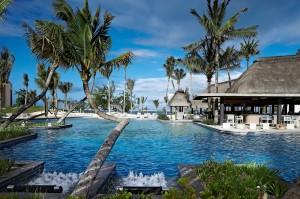 Das Long Beach Golf & Spa Resort liegt direkt an einem der schönsten und längsten Strände von Mauritius.