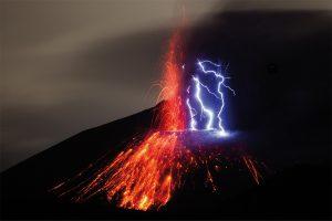 Urerfahrungen zwischen Temperaturextremen – Vulkane zwischen Feuer und Eis