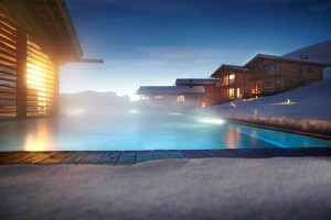 ADLER Mountain Lodge_Aussenansicht mit Pool_1