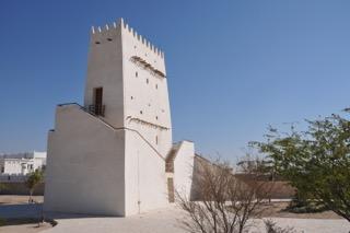 Alter Wohnturm ein Teil des Museums im Ort Barzan