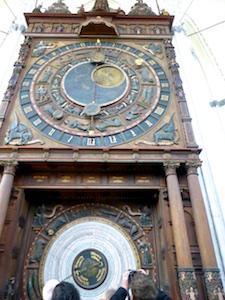 Astronomische Uhr Marienkirche Rostock 2016-04-23 Foto Elke Backert (1)