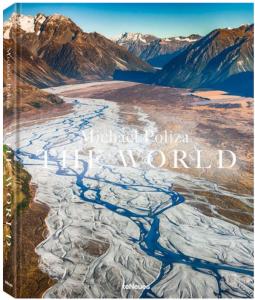 Sieben Kontinente ins rechte Licht gesetzt – THE WORLD von Michael Poliza
