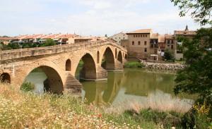 Brücke und Pilgerort Puente la Reina