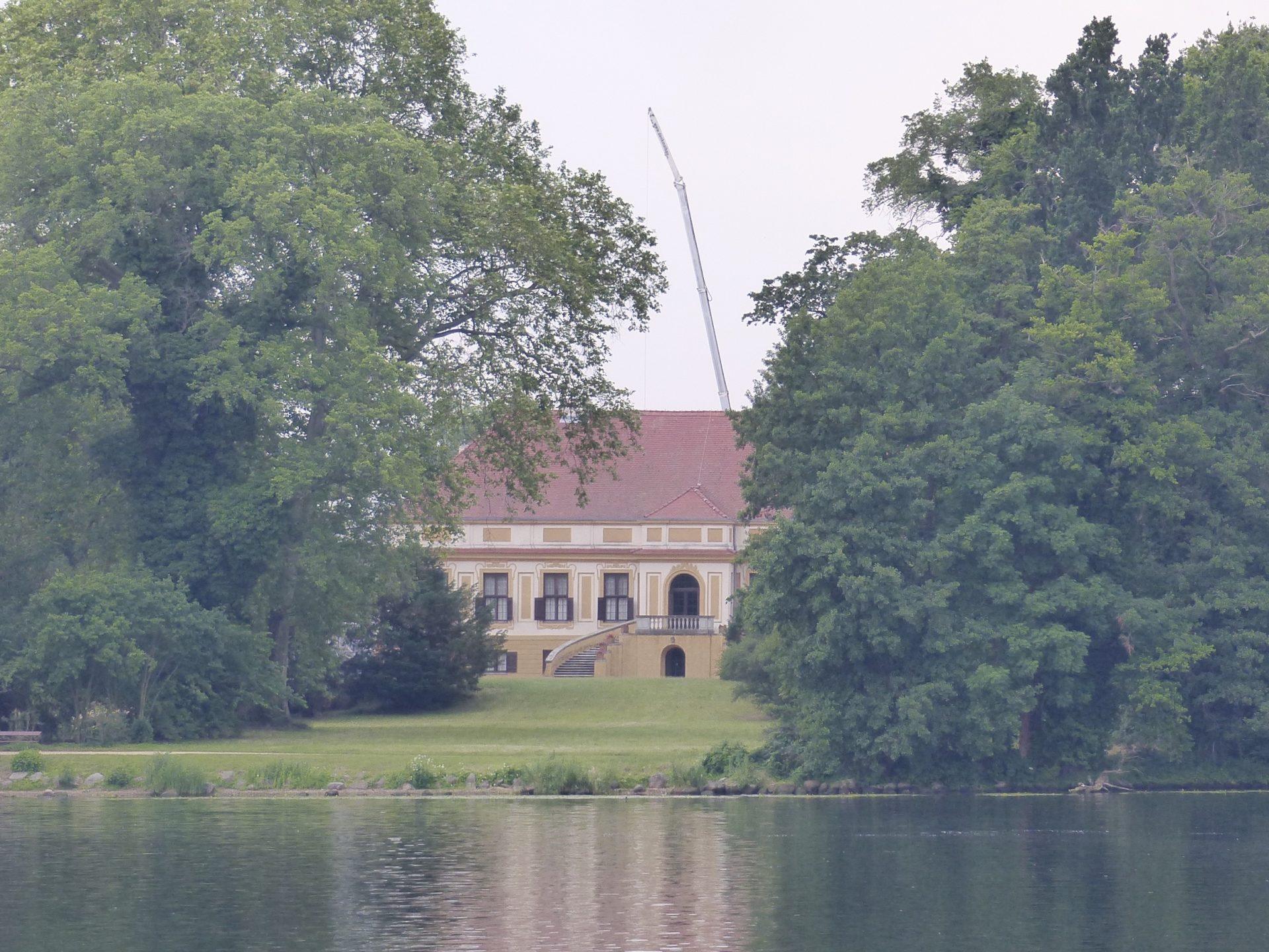 Schloss Caputh grüßt von weitem Foto: Weirauch