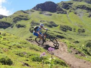 """Modern Biking: Sämi Bichsel fühlt sich auf dem """"Trudy Trail""""  wie zuhause"""