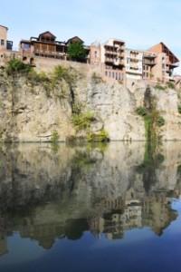 Die Häuserfront am Mtkvari (Fluss)2