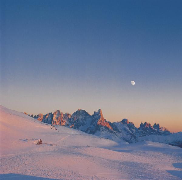 Eine Abendstimmung in den Dolomiten ist ein einmaliges Naturschauspiel. - Foto: Tourismusverein Fassatal