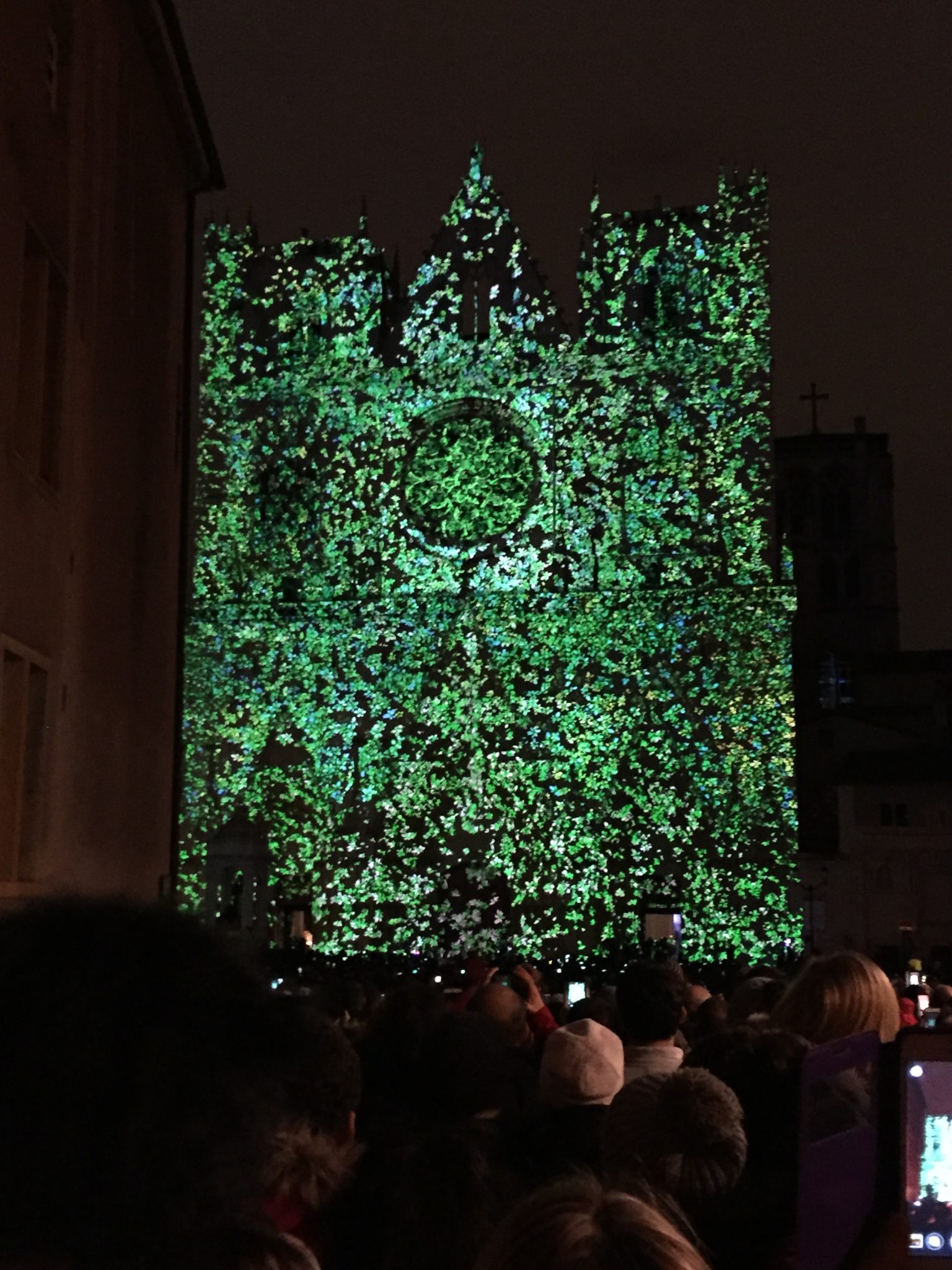 Lichterfest in Lyon: Der Triumph der friedlichen Menschen