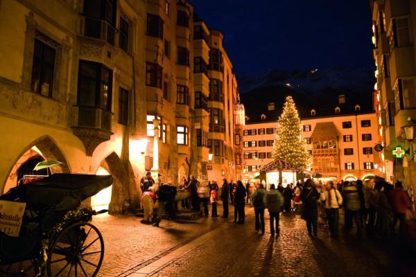 Weltbekannt: Innsbrucker Weihanchtsmarkt am Goldenen Dachl