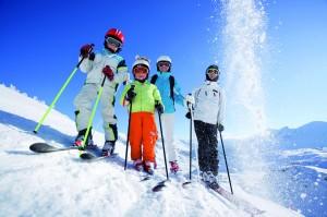 In vielen Kinderhotels Europa sind die jungen Skifahrer an der richtigen Adresse.