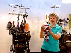 Kleinrundstrickmaschine Socken Industriemuseum Chemnitz  2016-05-27 Foto Elke Backert