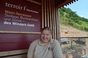 Anja Stritzinger am terroir f Aussichtspunkt.