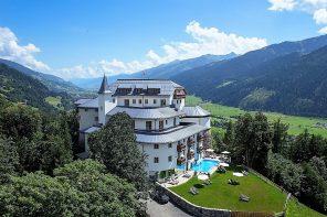 Vom Luxus der Weite auf Schloss Mittersill und Golfen über urige Heustadl