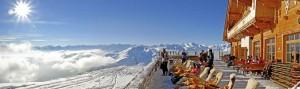 Kristallhütte Terrasse Liegen mit Fell
