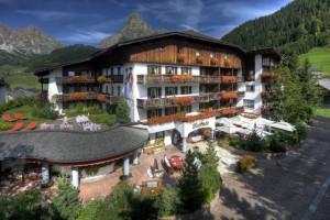 Das Hotel La Perla in Corvara wird nach den Prinzipien des Gemeinwohl-Ökonomie geführt; Foto La Perla