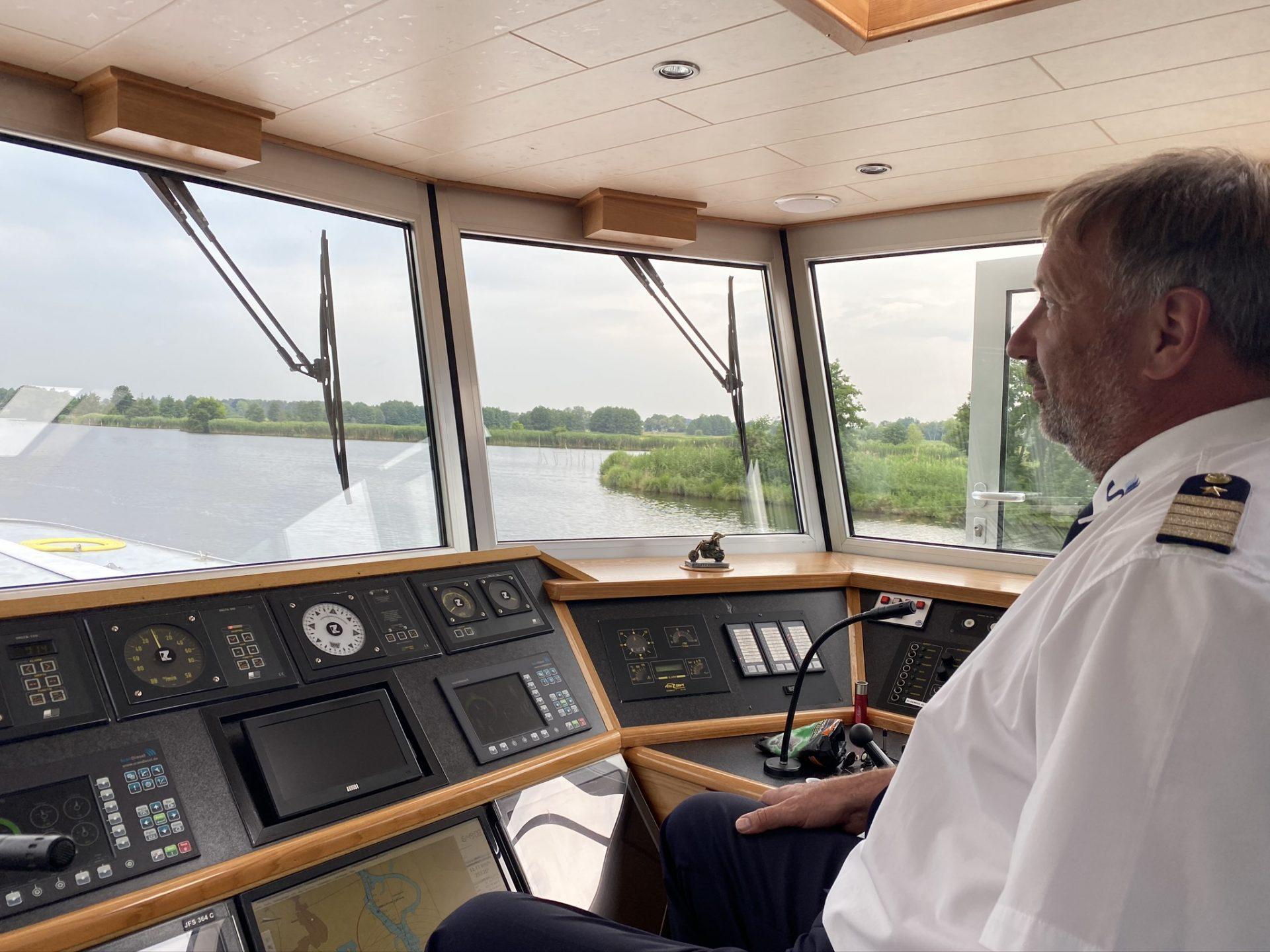 Kapitän Petzer Grunewald in seiner Sans souci Foto: Weirauch