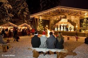 Am Waldfestplatz in Mayrhofen steht ein riesiger Adventskranz
