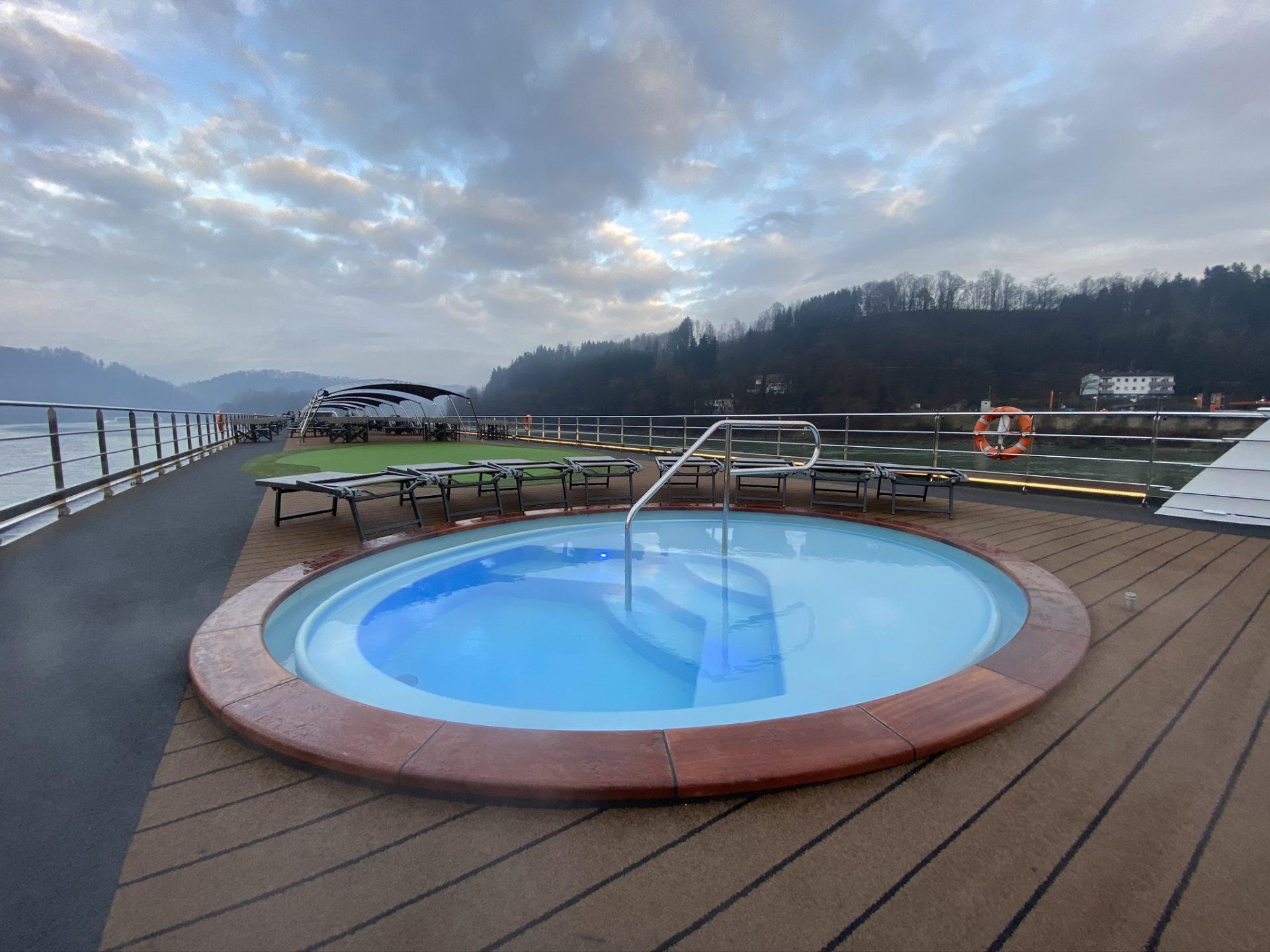 Pool auf der NickoVISIONA