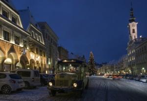 Oldtimer-Postbus am Weihnachtsmarkt in Steyr. © M. Spannring