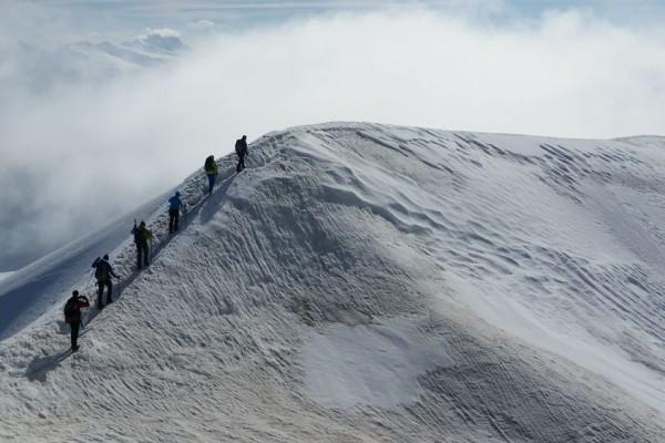 Den Gipfel des Großvenedigers erreicht man über diesen Grat. Auf den letzten Metern sollte man auf jeden Fall schwindelfrei sein. Bild: Bauroth