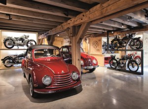 Im PS.SPEICHER stehen mehr als 350 historische Fahrräder, Motorrädern und Automobile. Foto: KulturstiftungKornhaus
