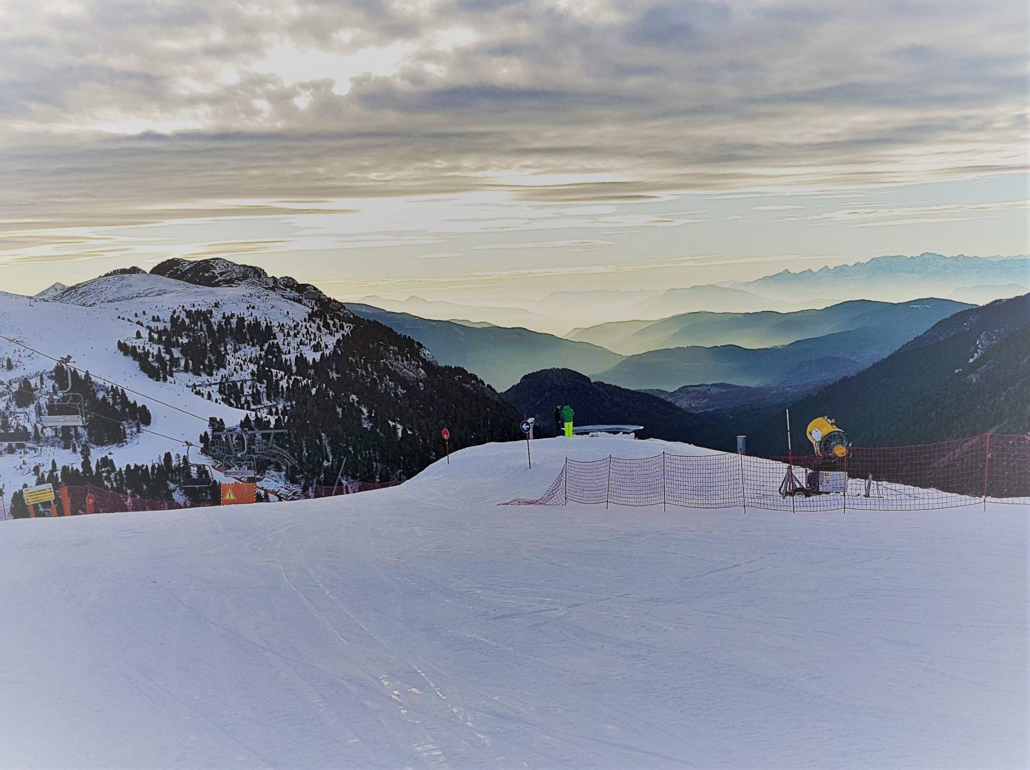 Um 8 Uhr grüßen Ortler und Stubaier Alpen aus der Ferne. Foto: Sylvia Kester