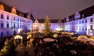 Christkindlmarkt am Neupfarrplatz in Regensburg.© Regensburg Tourismus