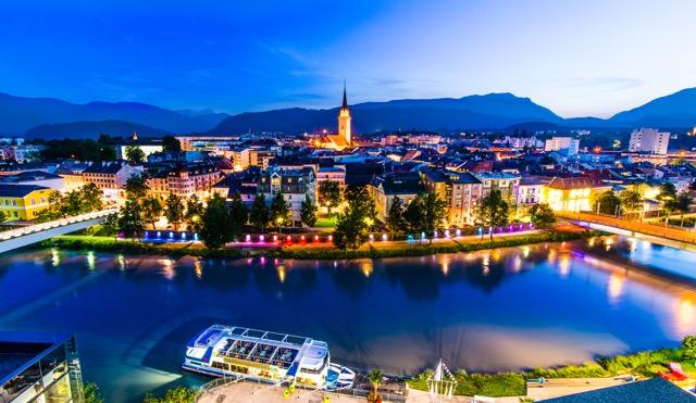 Beeindruckende Licht-Inzenierung in Villach an der Drau. Foto: Region-Villach-Tourismus_Michael-Stabentheiner