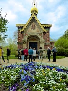 Russische_Kirche_Eingang_Kurpark_Bad_Homburg_2015_04_25_Foto_Elke_Backert (2)