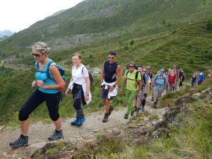 Die Wanderung entlang eines Panoramawegs. Bild: Bauroth