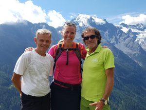 Sepp, Katja und Hans vor dem Ortler, der höchsten Erhebung Südtirols (3905 m). Bild: Barchet