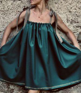 """Lässig: Die Röcke von """"rock.verliebt"""" sind etwas ganz Besonderes und für Trägerinnen jeden Alters. Bild: Hofer/rock.verliebt"""