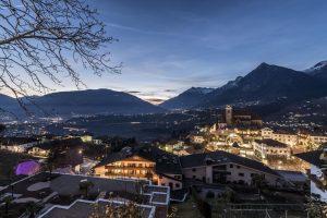 Ein Blick auf Schenna am Abend. Bild: Tourismusverein Schenna/Hannes Niederkofler