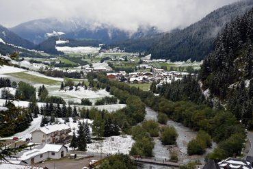 Weißer Herbst im Schneeberg