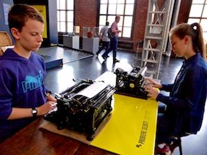 Schreibmaschine zum Ausprobieren Industriemuseum Chemnitz  2016-05-27 Foto Elke Backert