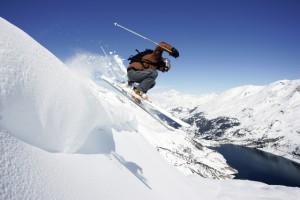 Tignes Skifaher oberhalb Stausee