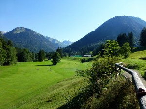 9-Loch-Golfplatz in Oberstdorf. Foto: Tourismus Oberstdorf Petra Schumacher