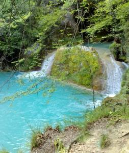 Urederra - aus dem Felsen entspringt ein Fluss