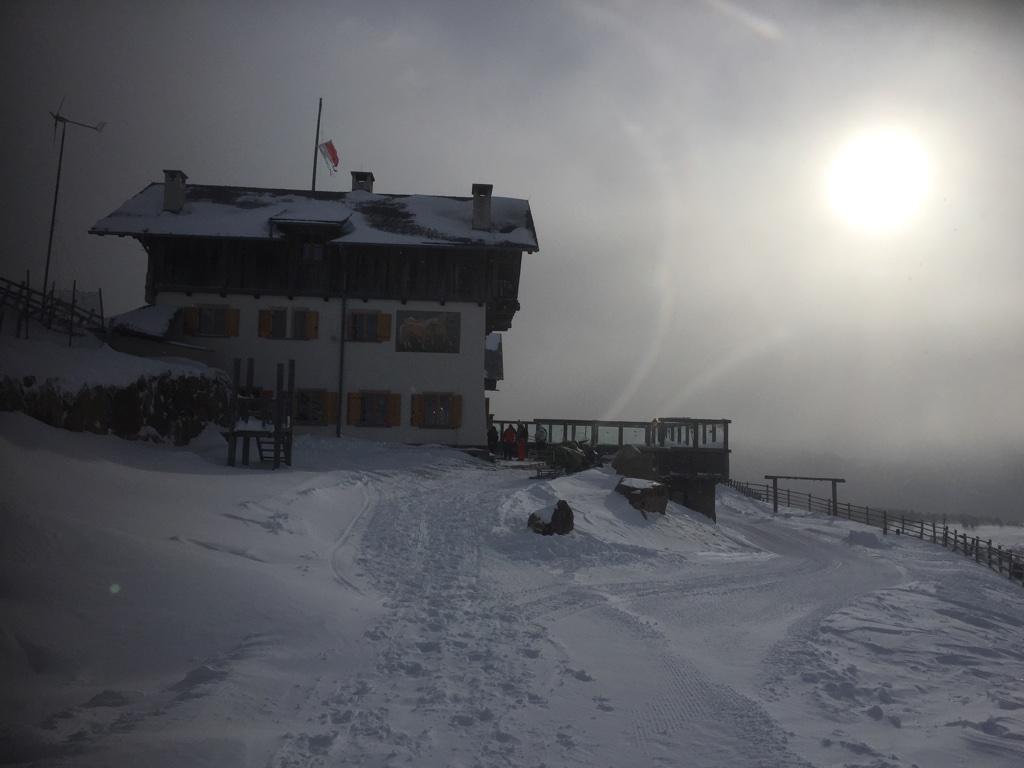 Die Stöffl-Hütte im Morgendunst,; Foto: Heiner Sieger, schönessüdtirol.de
