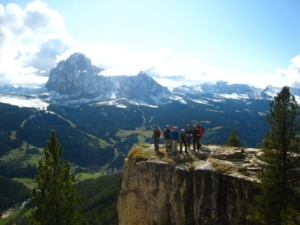 Wer mit Wanderführer Pauli vom Hotel Adler unterwegs ist, lernt herrliche Ausblicke kennen; Foto Hotel Adler