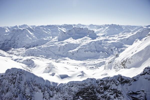 Warth-Schröcken gehört zum Skigebiet Arlberg mit   305 Pistenkilometern und 87 Liftanlagen