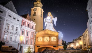 Der Lederturm, das Welser Wahrzeichen am Stadtplatz. Foto: Wels Marketing & Touristik