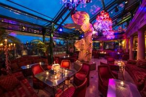 """Orientalischer Charme: Die """"Penthouse Bar"""" in Luzern."""