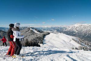 Sonnenskilauf auf den Villacher Skibergen