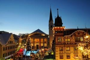 Im Zentrum von Dornbirn bilden die Bürgerhäuser den Rahmen für den Weihnachtsmarkt